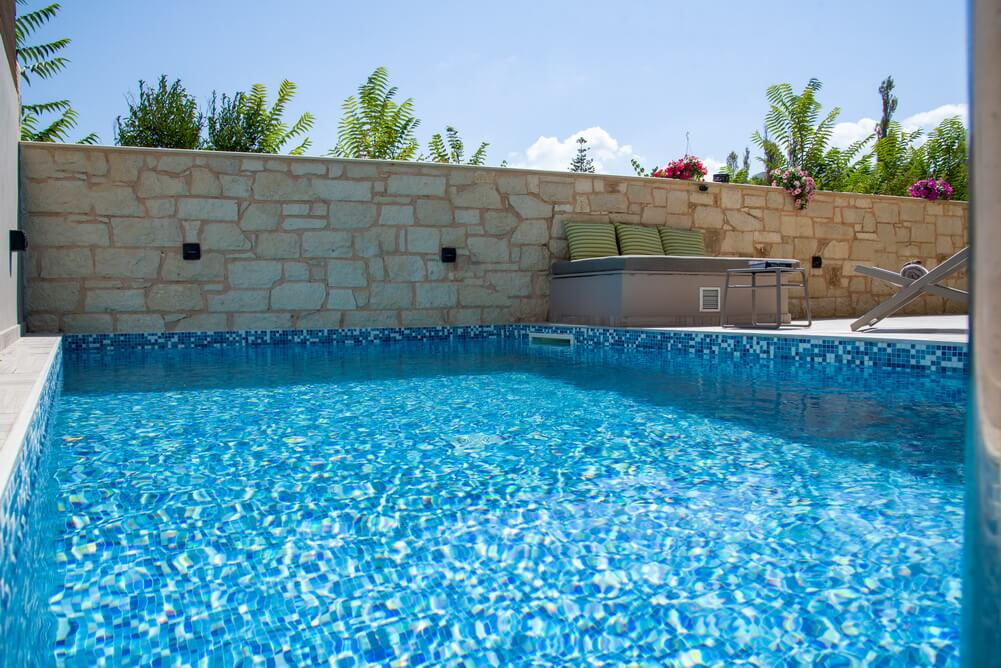 The method of salt electrolysis without any chlorine addition is used for pool sanitation
